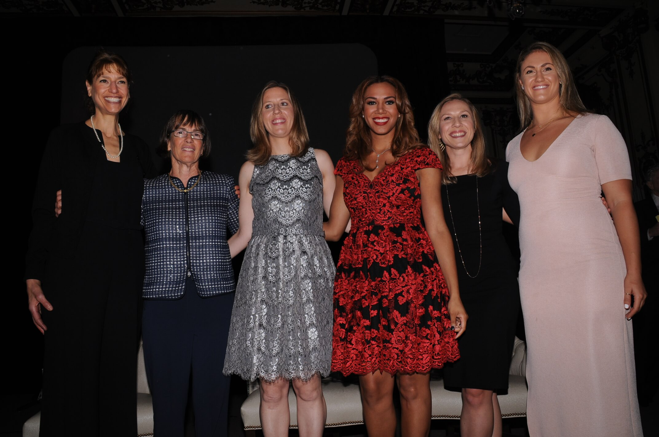 Anita Kaplan Fiedel, Tara VanDerveer, Lindsay Gottlieb, Ros Gold-Onwude, Kate Scott & Ashley Grossman